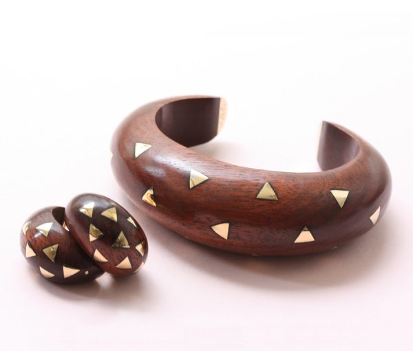wood and gold ear clips and bracelet