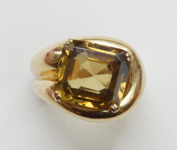 gold and yellow zircon ring