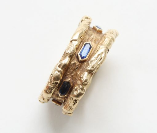 gold and sapphire band ring