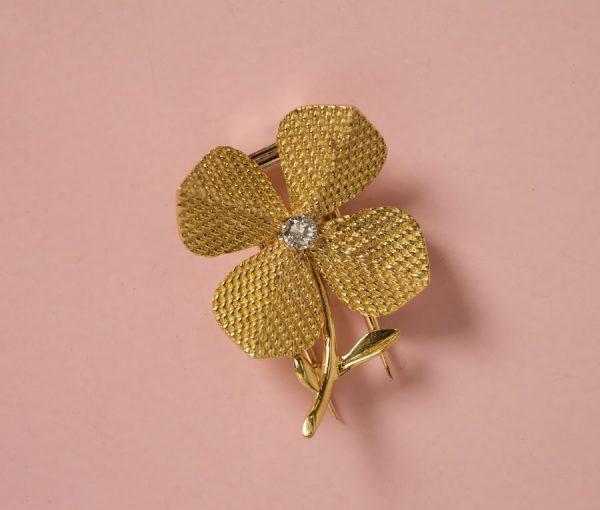 Four leaf clover brooch