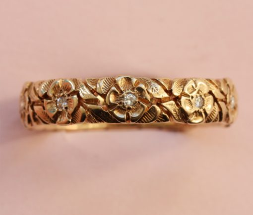 gold and diamond flower band ring