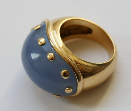 gold and chalcedony ring