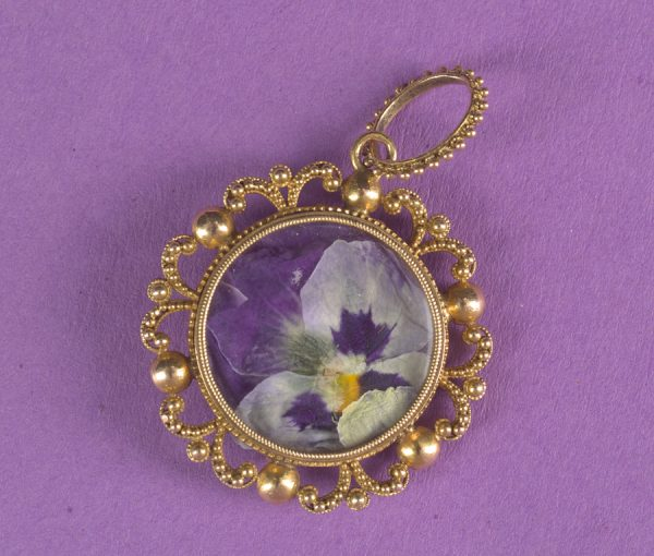 gold Georgian pendant