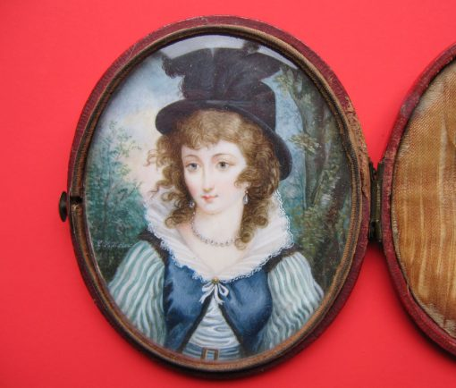 miniature of a lady with pearl jewelry