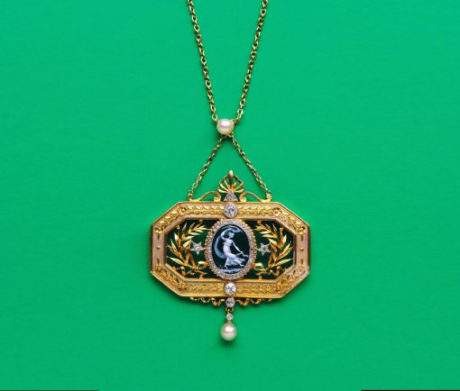 pendant with Terpsichore