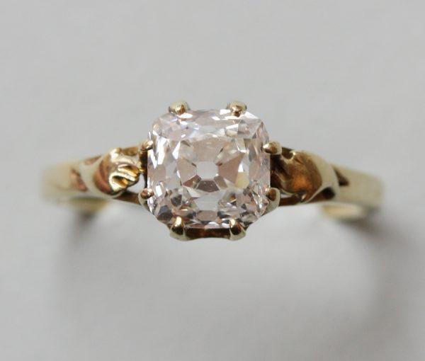 cushion cut diamond solitair ring