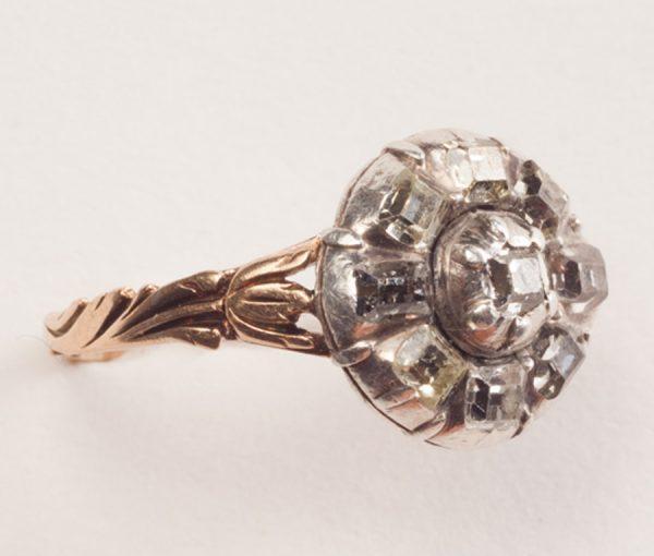 gold and diamond tulip ring