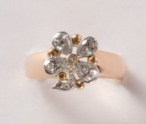 diamond and gold clover ring