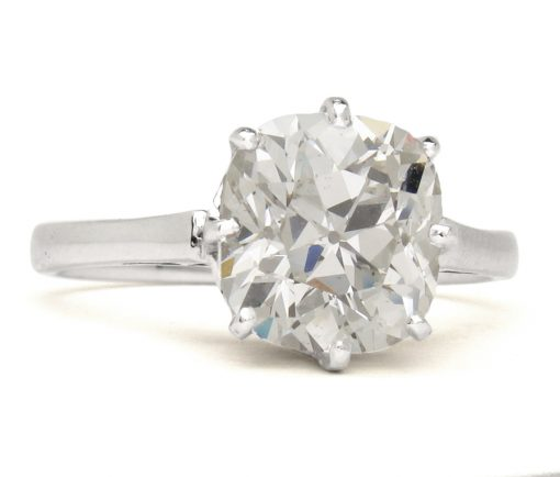 cushion cut diamond solitair ring