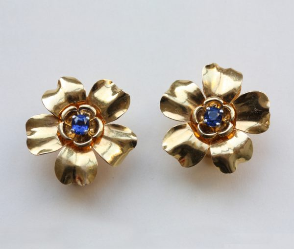 flower earclips