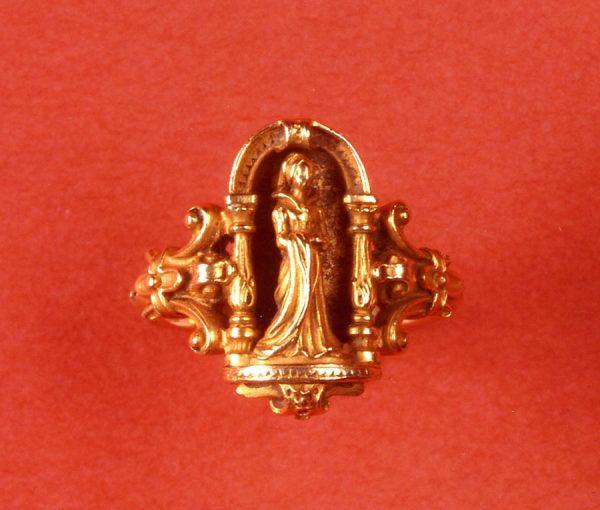 neo gotic ring