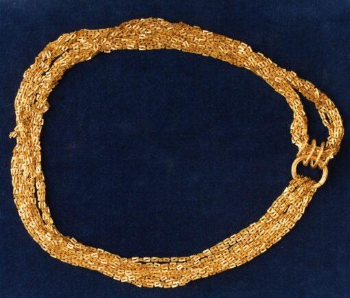A fine gold mesh chain 9.6 meter