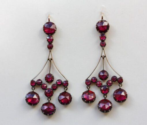 grenat de Perpignan earrings