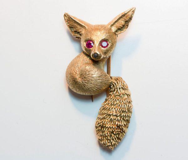desert fox brooch