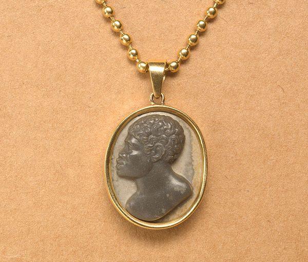 hard stone and gold blackamoor pendant