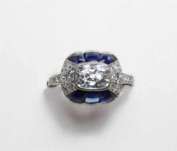 Art Déco diamond and sapphire ring