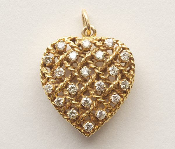 diamond and gold heart pendant