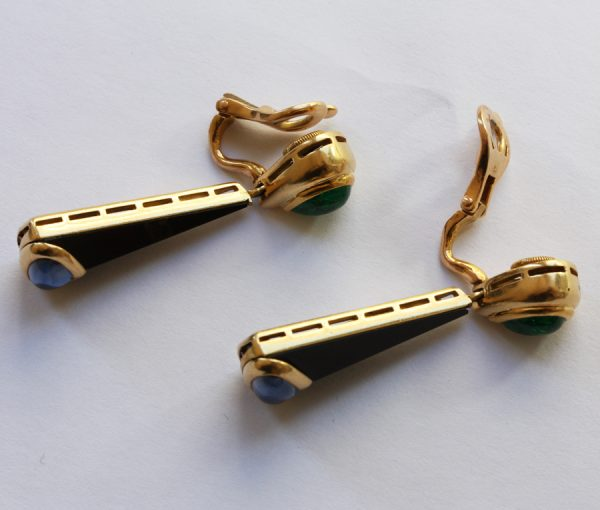 "emerald and sapphire earclips ""Troc"""