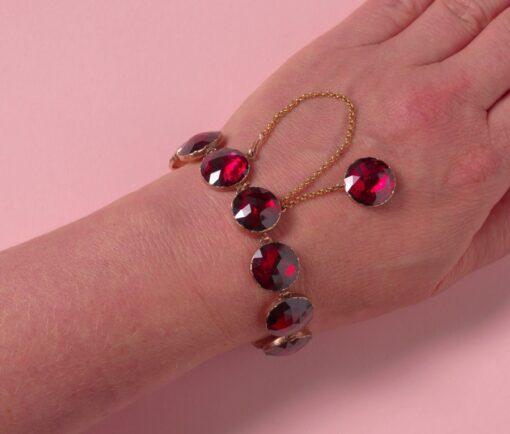 garnet_bracelet