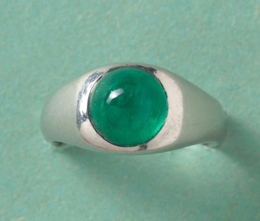 platina and emerald ring