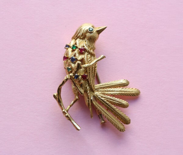 VCA bird brooch