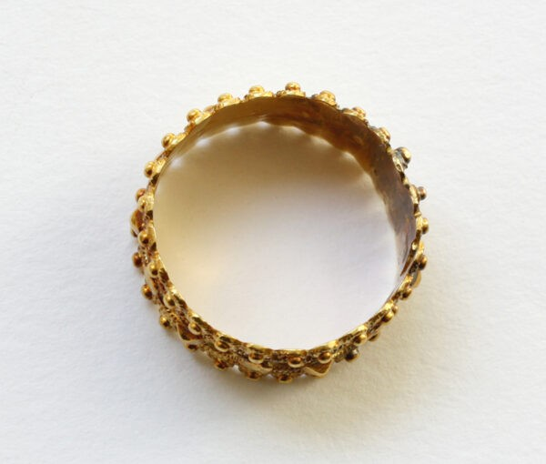 gold marriage ring