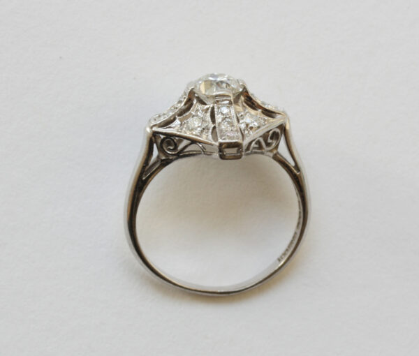 diamond_platinum_peacock_ring