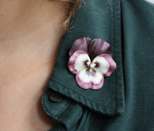 www_hedges_pansy_brooch2