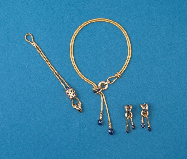 gold and sapphire set