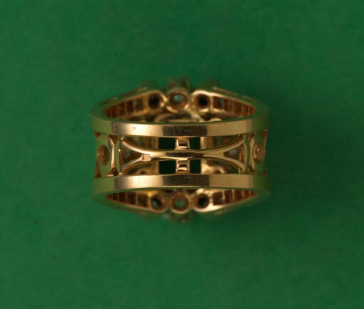 gold emerald and diamond ring