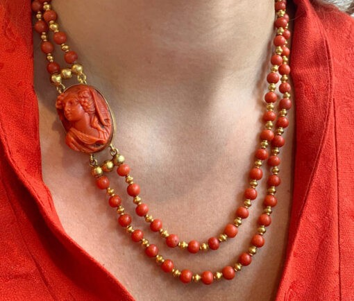 Jacob_de_Groes_coral_gold_necklace4
