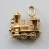 VANCLEEF&ARPELS_locomotive_charm