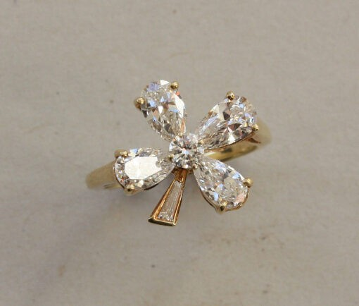 diamond clover ring