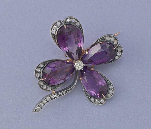 clover brooch