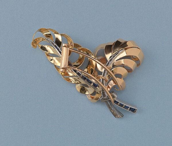 retro feather brooch