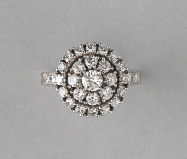 Tiffany cluster ring