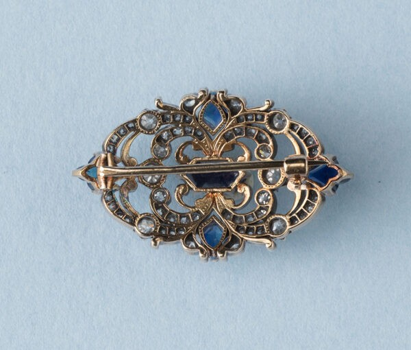 diamonds and sapphire brooch