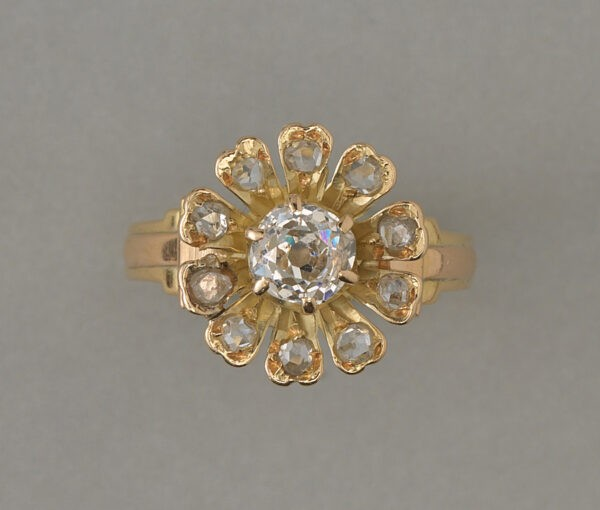 gold flower ring with diamonds