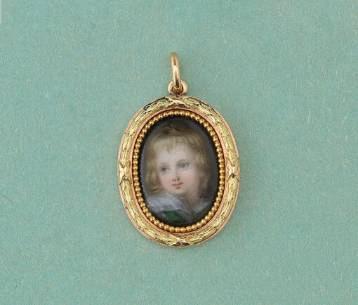 gold and porcelain Wiese pendantt
